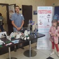 roboticsstand